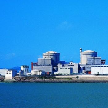 秦山核电基地安全运行100堆年