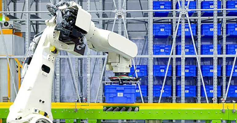 自动化将提高工人的绩效,而不是取代工人